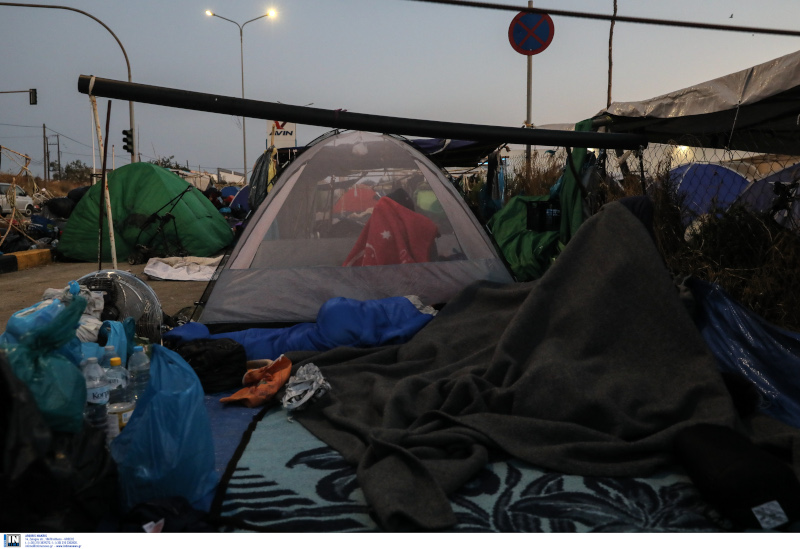 Άτυπος καταυλισμός των μεταναστών στους δρόμους του Καρά Τεπέ