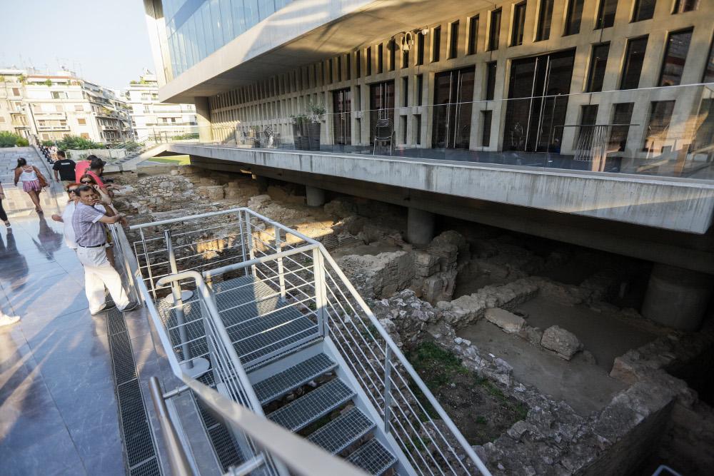 Τα πλούσια ευρήματα που παρέμειναν ανέπαφα κάτω από το Μουσείο της Ακρόπολης που κλείνει 10 χρόνια ζωής