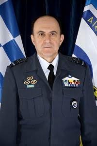 Ο αρχηγός ΓΕΑ Αντιπτέραρχος (Ι) Γεώργιος Μπλιούμης