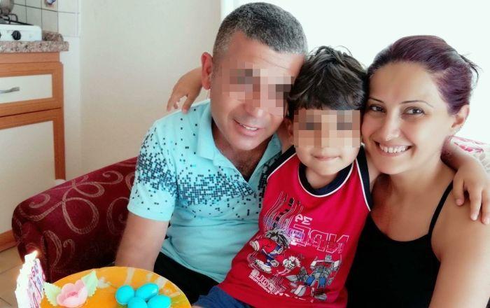 Ο κατηγορούμενος με την σύζυγό του και το παιδί τους