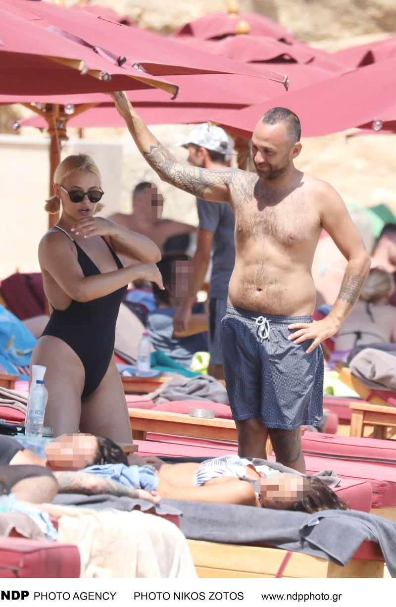 Η Λάουρα Νάργες και ο Κώστας Αναγνωστόπουλος κάνουν διακοπές στη Μύκονο / Φωτογραφίες: NDP