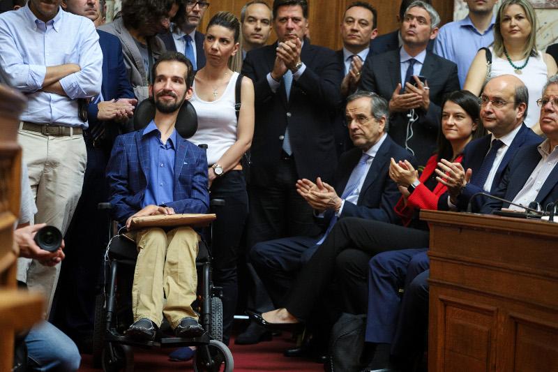 Αντώνης Σαμαράς και Στέλιος Κυμπουρόπουλος στην αίθουσα της Γερουσίας
