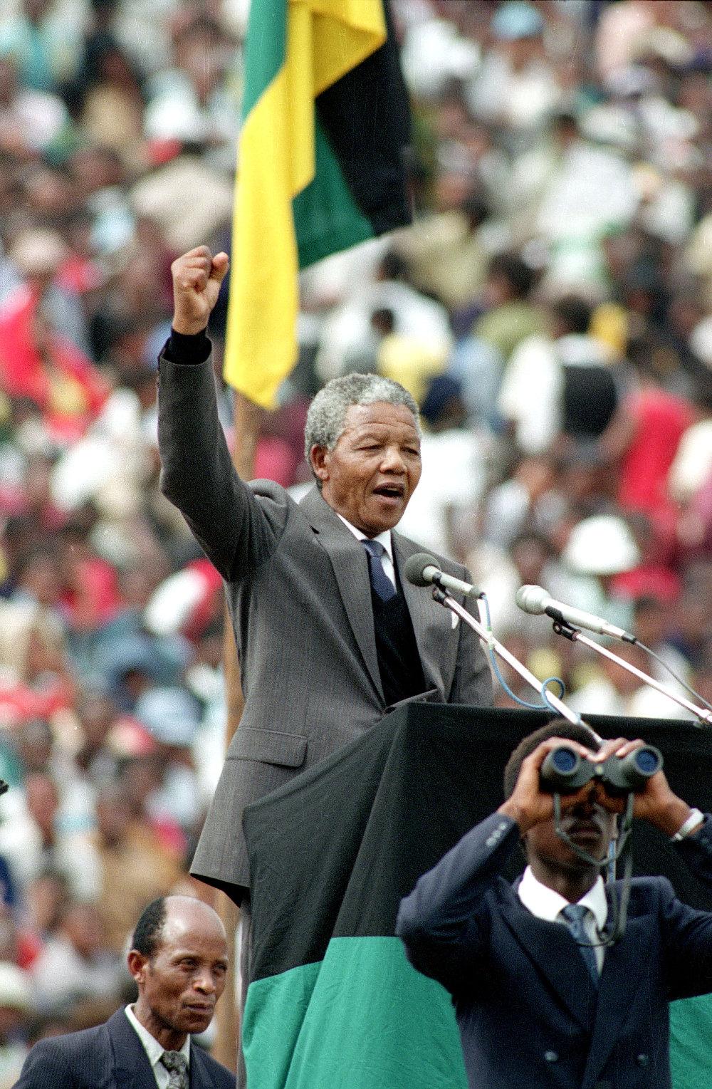 Ομιλία του ηγέτη του Νοτιοαφρικανικού Κογκρέσου, Νέλσον Μαντέλα που αναδείχτηκε πρόεδρος της χώρας το 1994