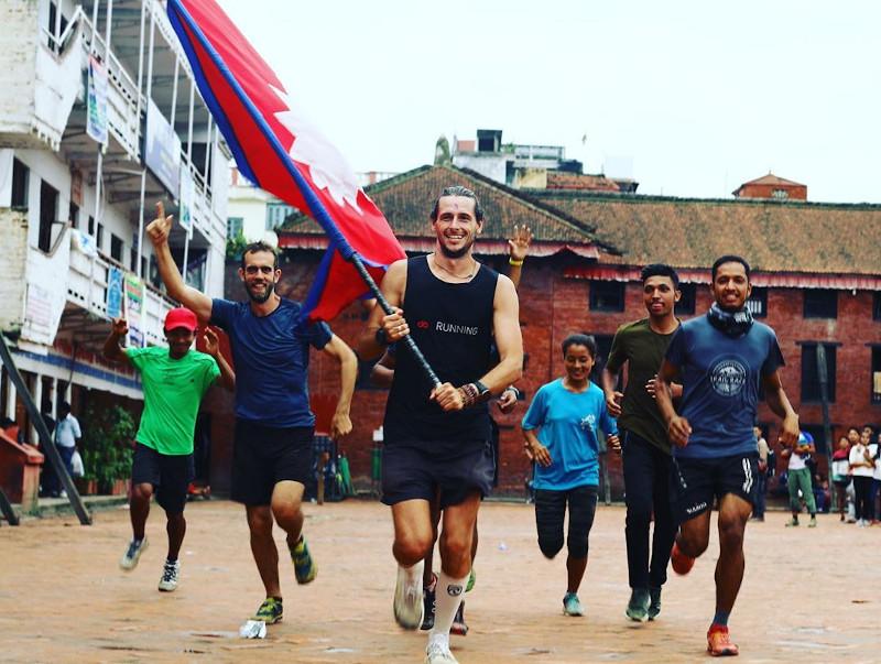 Ο Νικ Μπάτερ στο Κατμαντού