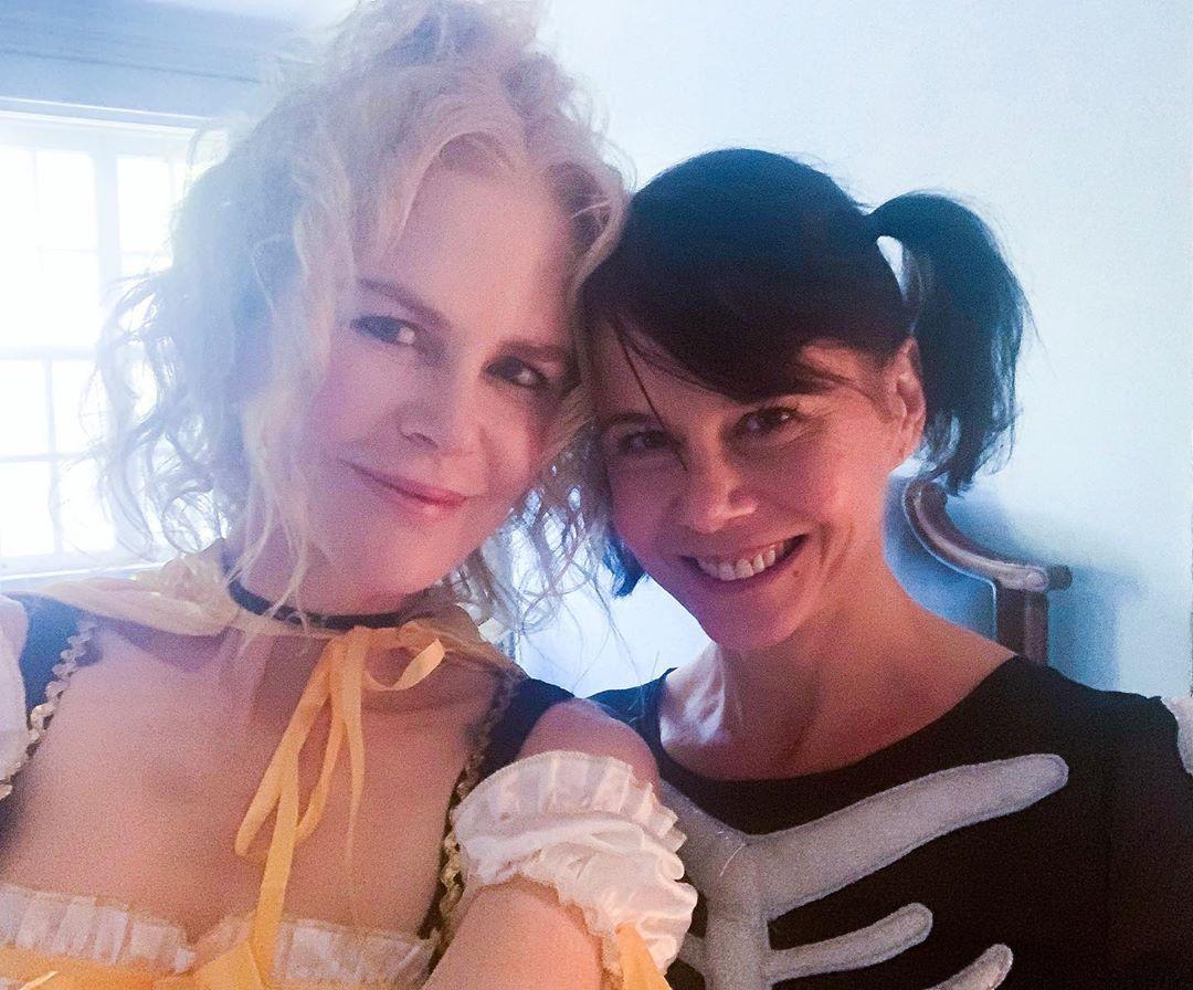 Η Νικόλ Κίντμαν με την αδερφή της Αντωνία σε αποκριάτικο mood