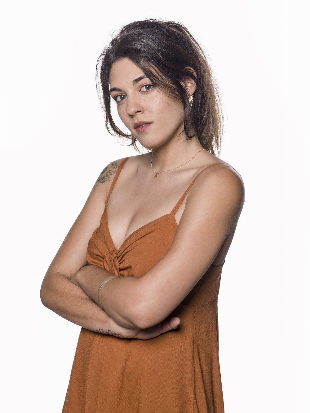 Η ηθοποιός Νίκη Βακάλη, η τηλεοπτική κόρη της Μάνιας στο «Λόγω Τιμής»