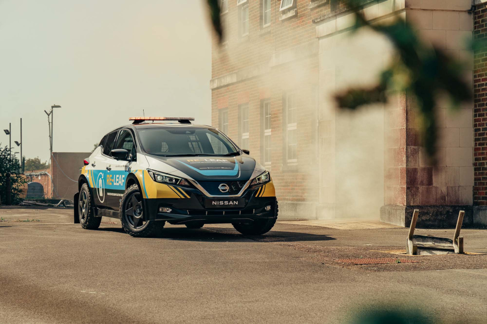 Nissan RE-LEAF: Το ηλεκτρικό που δίνει ρεύμα παντού