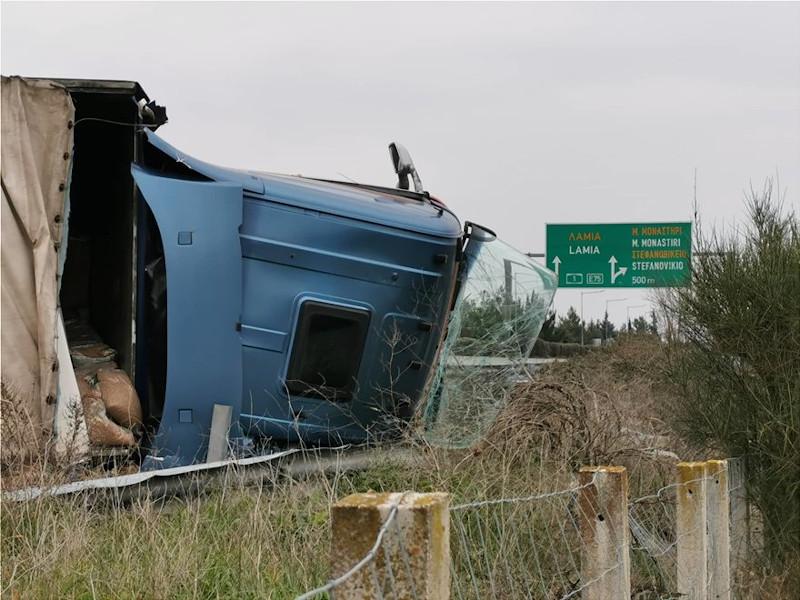 Η νταλίκα που ενεπλάκη στο τροχαίο ατύχημα