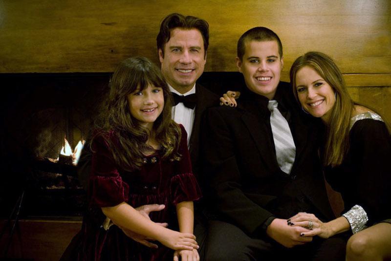 Ο Τζον Τραβόλτα με την σύζυγό του, Κέλι Πρέστον και τον γιο τους Τζετ