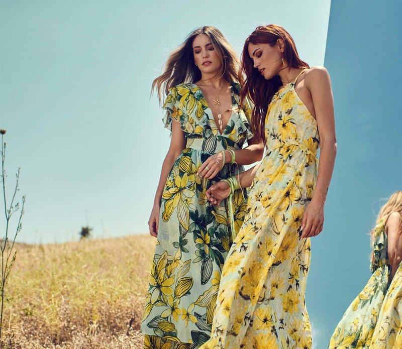 Αθηνά Οικονομάκου και Μαίρη Συνατσάκη floral φορέματα