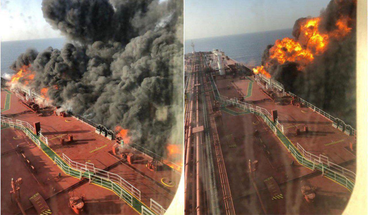 Το τάνκερ στον κόλπο του Ομάν, μετά την επίθεση, τυλιγμένο στις φλόγες