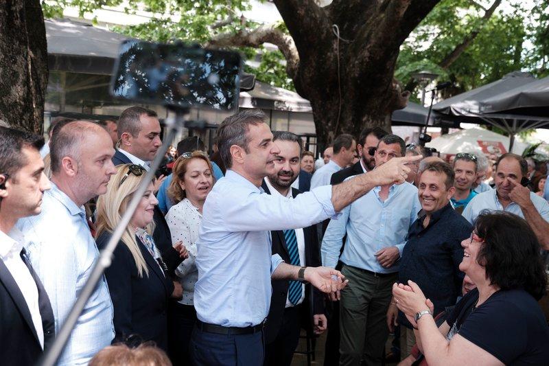Ο πρόεδρος της ΝΔ με κατοίκους της Εδεσσας
