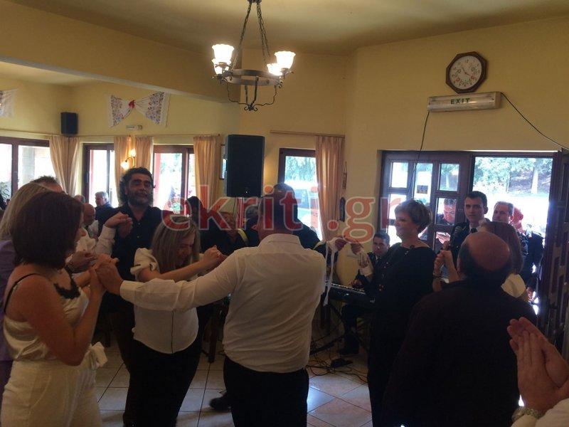 Ενα ακόμη στιγμιότυπο από τους χορούς στους οποίους συμμετείχε η υπουργός Ολγα Γεροβασίλη