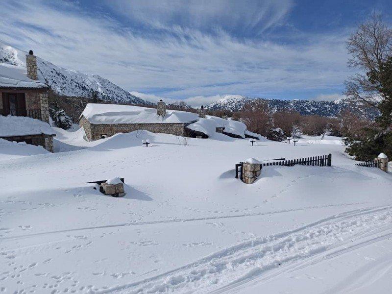 Εως και 2 μέτρα εκτιμάται το ύψος του χιονιού