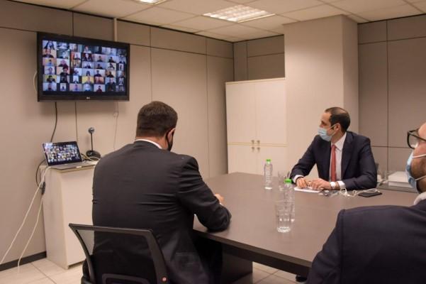 Ο πρόεδρος της ΟΝΝΕΔ Παύλος Μαρινάκης ευχαρίστησε τον κ. Δημητριάδη για την παρουσία του στη συνεδρίαση της ΕΓ