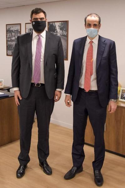 Ο γ.γ. του Πρωθυπουργού (δεξιά) με τον γραμματέα της ΟΝΝΕΔ Παύλο Μαρινάκη (αριστερά)