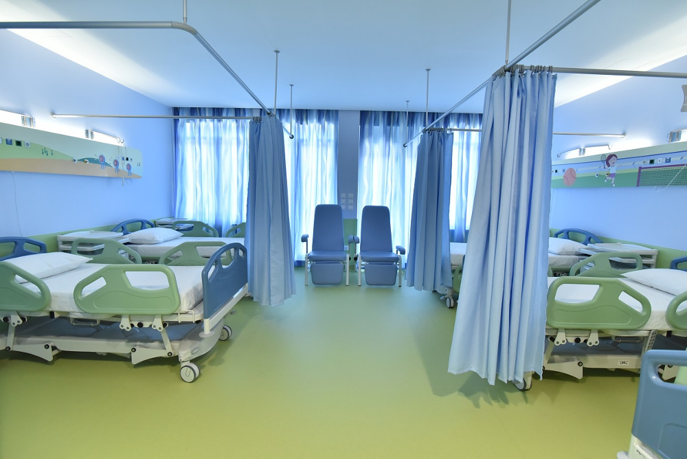 Πλήρως ανακαινισμένο δωμάτιο νοσηλείας
