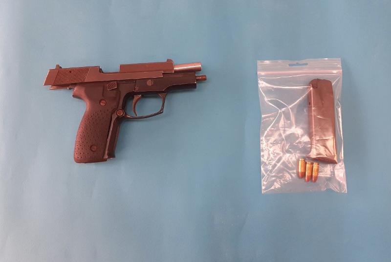 Το πιστόλι που κατασχέθηκε από την αστυνομία