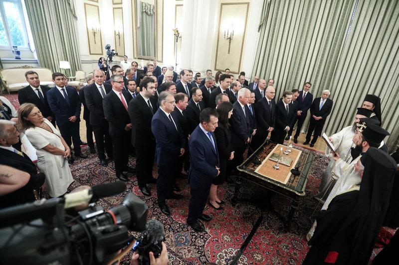 Οι νέοι υπουργοί, αναπληρωτές και υφυπουργοί κατά τη διάρκεια της ορκωμοσίας