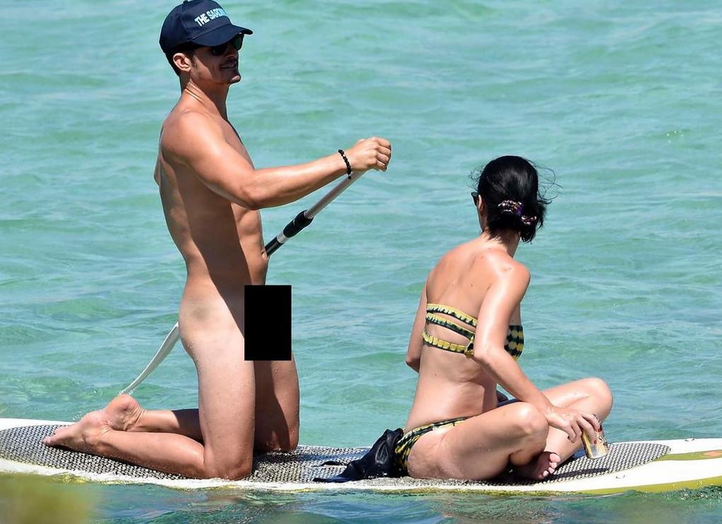 Ο Ορλάντο Μπλουμ γυμνός, μαζί με την Κέιτι Πέρι