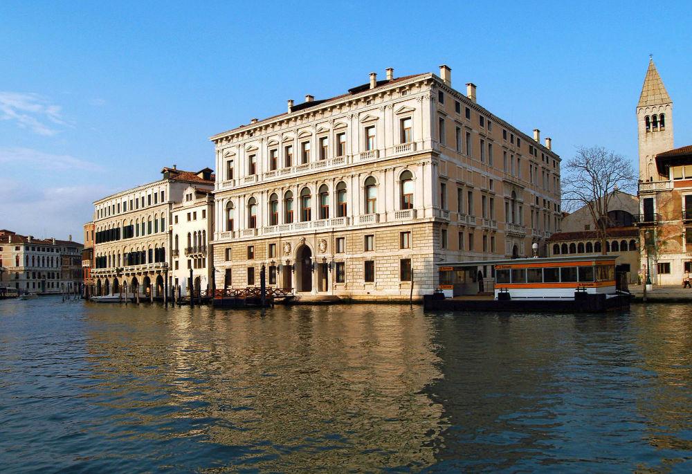 Το Pallazzo Grassi στη Βενετία