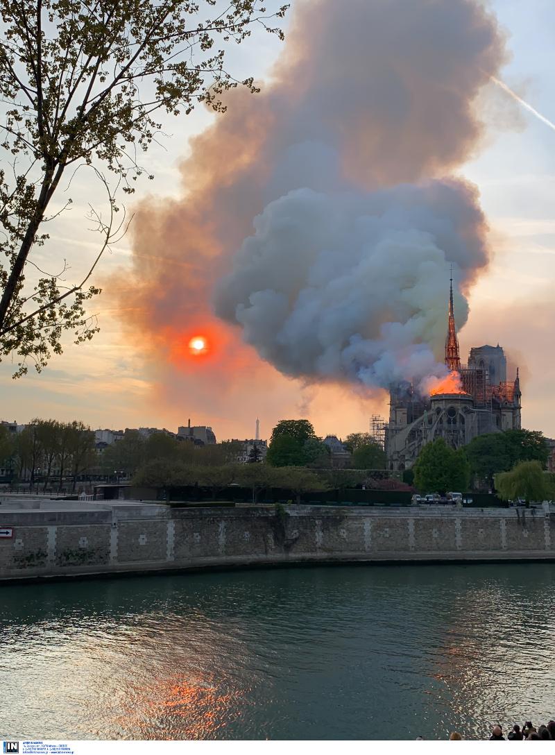 Η πυρκαγιά που κατέστρεψε μέρος της Παναγίας των Παρισίων