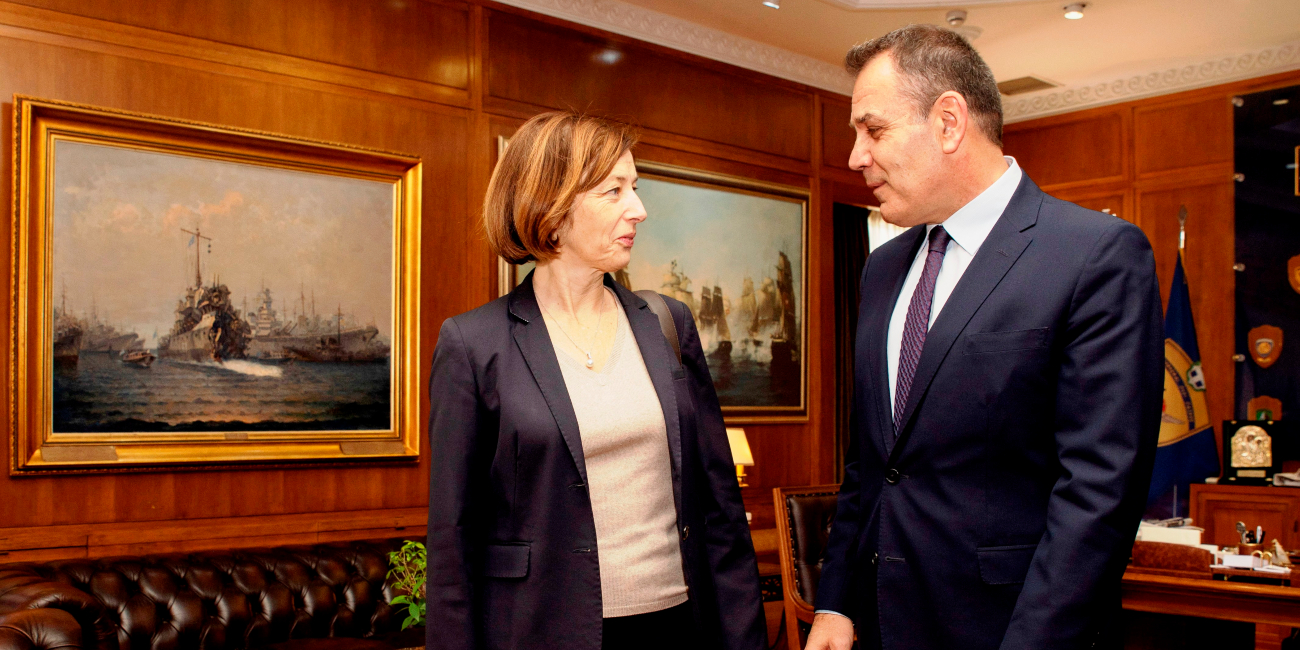 Ο Νίκος Παναγιωτόπουλος και η Γαλλίδα υπ. Αμυνας Φλοράνς Παρλί