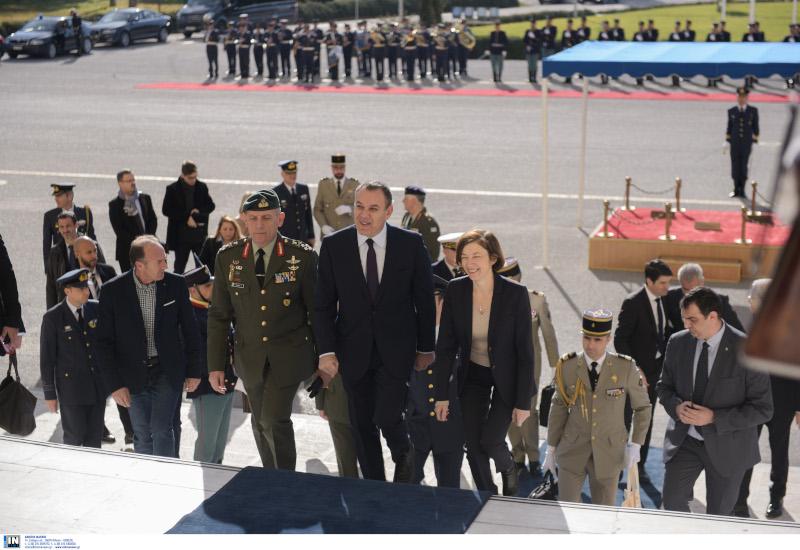 Ο Νίκος Παναγιωτόπουλος με την Φλοράνς Παρλί