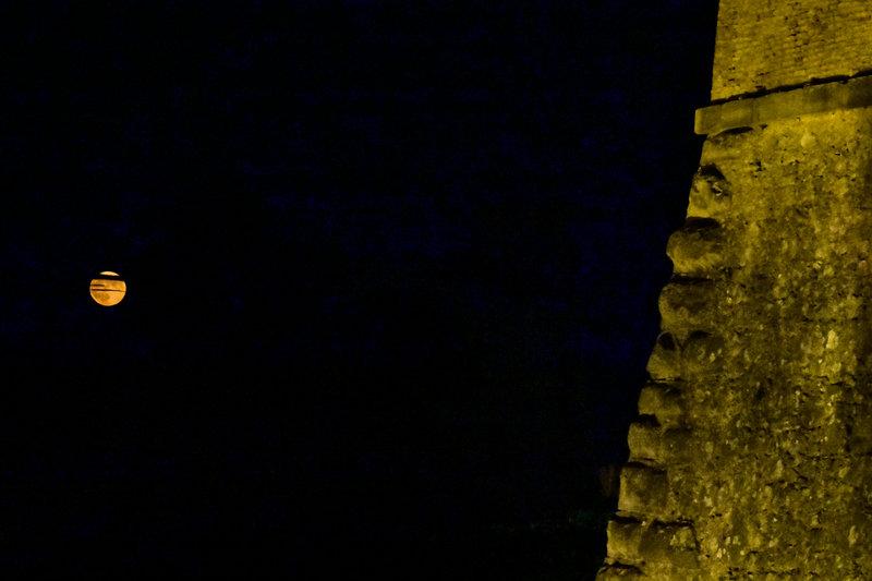 Η αυγουστιάτικη πανσέληνος από το κάστρο του Παλαμηδιού στο Ναύπλιο