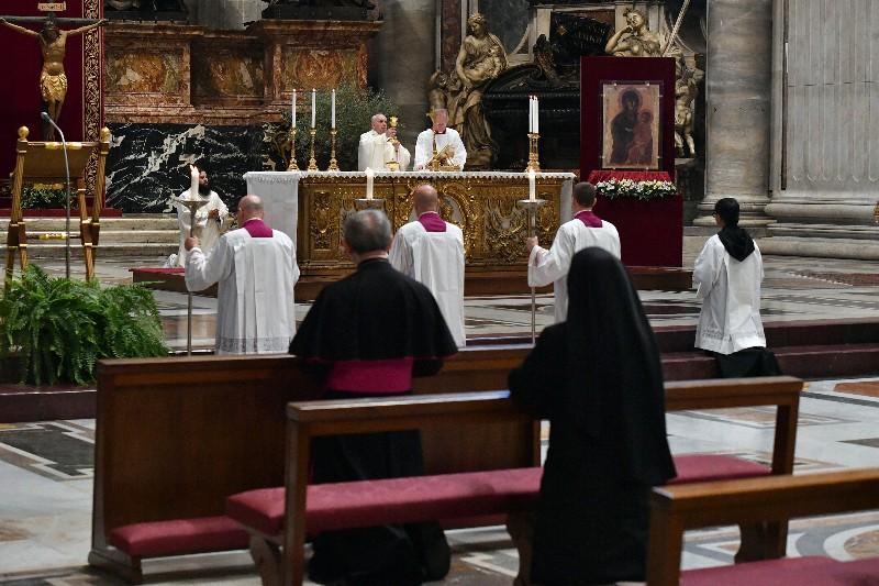 Η λειτουργία της Μεγάλης Πέμπτης στο Βατικανό