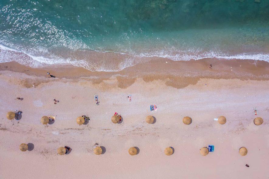 Πανοραμική άποψη της παραλίας