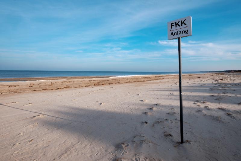 Παραλία γυμνιστών /