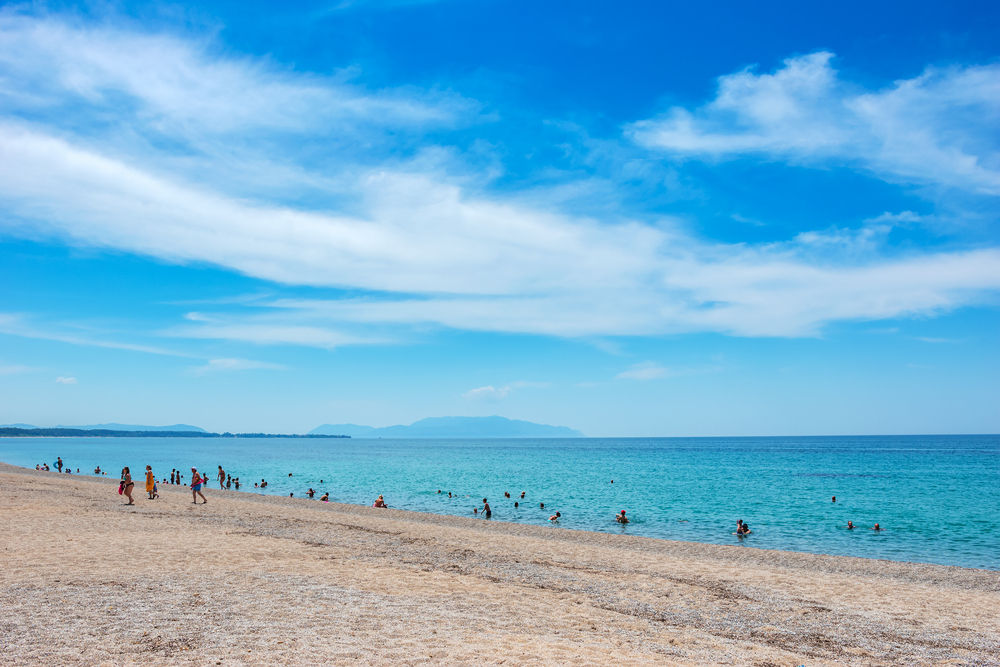 Η αχανής παραλία στην Πρέβεζα που χαρακτηρίζεται μια από τις ασφαλέστερες στην Ευρώπη εν μέσω κορωνοϊού