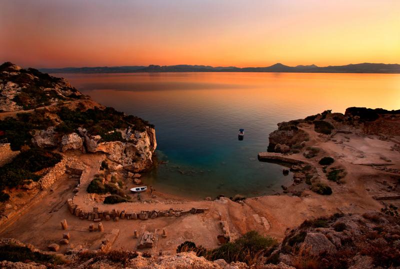 Η παραλία Ηραίου το ηλιοβασίλεμα