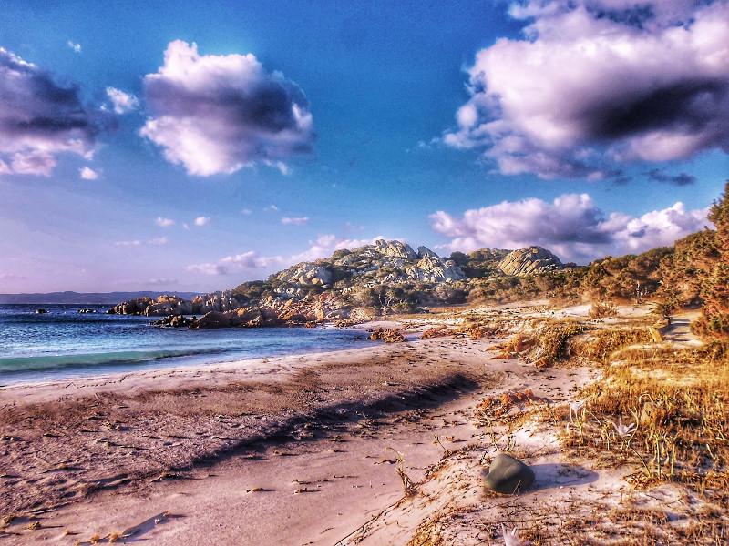 Η διάσημη ροζ παραλία του νησιού