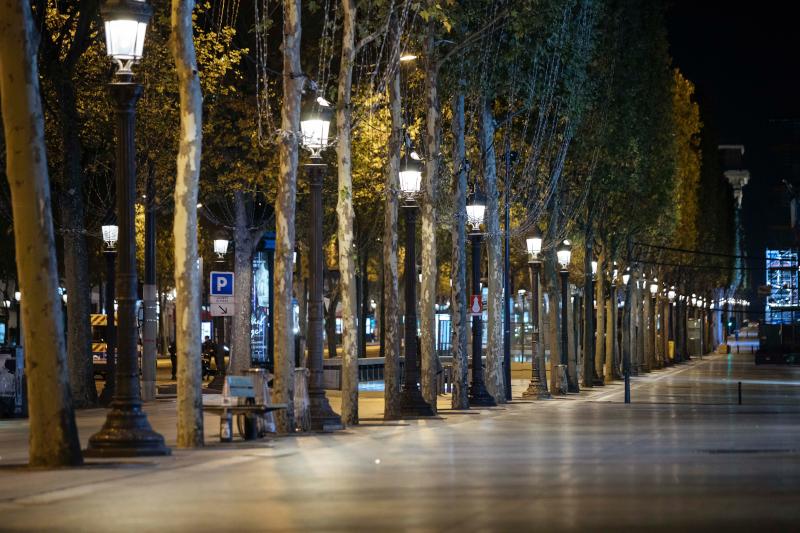 Το Παρίσι άδειο από το βράδυ του Σαββάτου