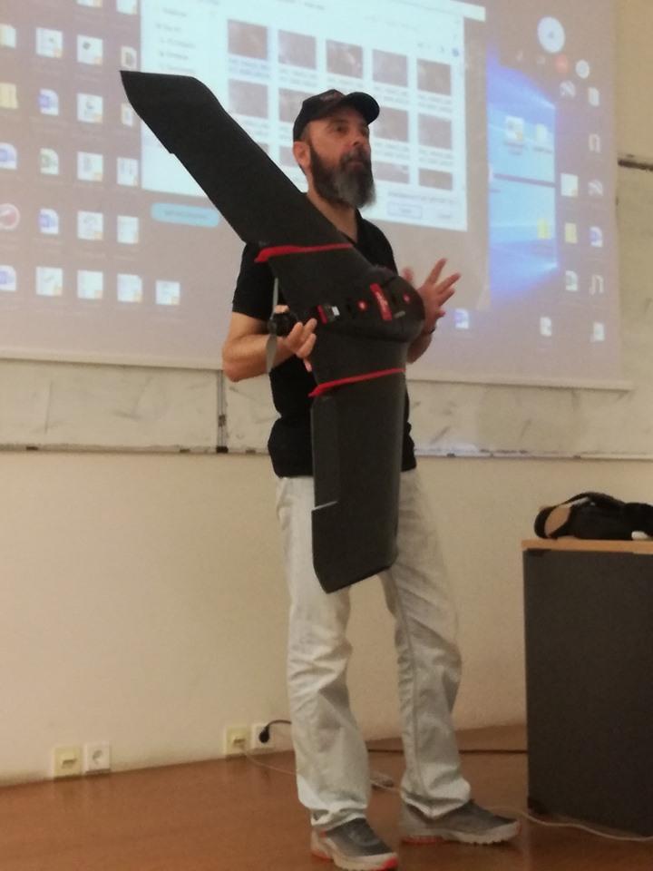 Εκπρόσωποι του Πολυτεχνείου Κοζάνης παρουσιάζουν το Drone