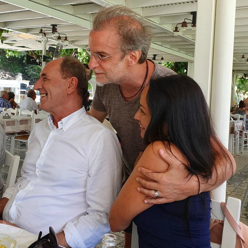Ο Μίλτος Πασχαλίδης με τον Γιώργο Σταθάκη και την σύζυγό του Θέμιδα