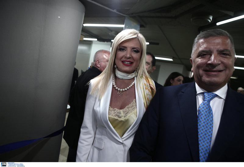 Ο  υποψήφιος περιφερειάρχης Αττικής, Γιώργος Πατούλης, με τη σύζυγό του Μαρίνα