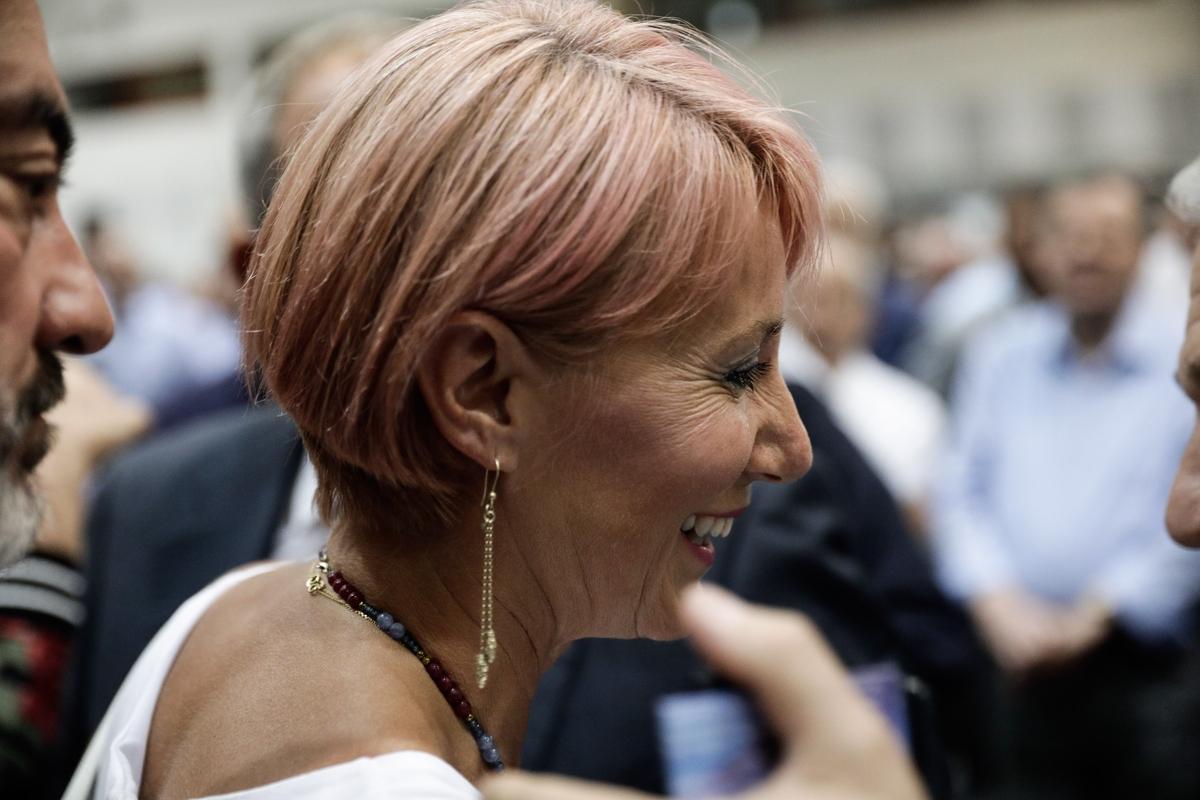 Η Νατάσσα Παζαΐτη τόλμησε τη ροζ απόχρωση στα μαλλιά