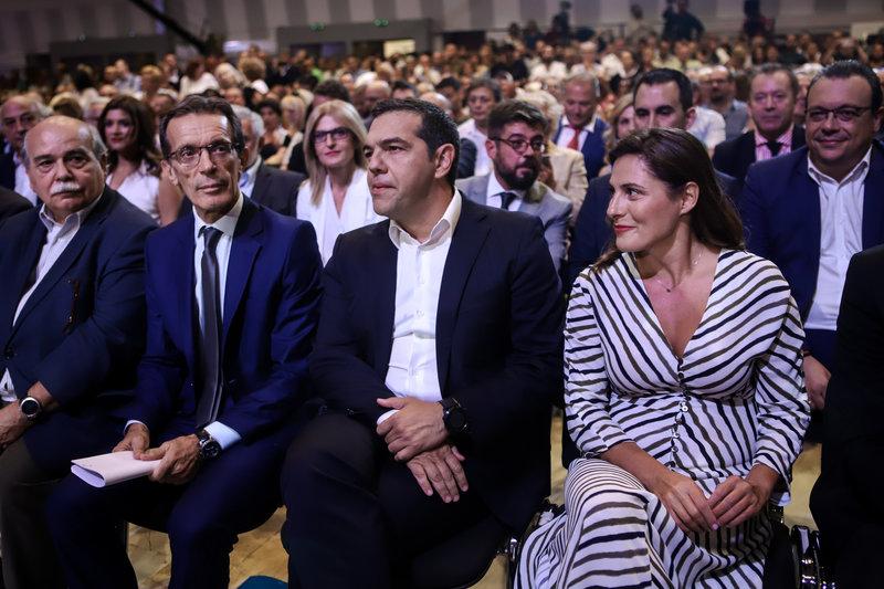 Ο πρόεδρος της ΔΕΘ με τον Αλέξη Τσίπρα και την Περιστέρα Μπαζιάνα στη ΔΕΘ 2019