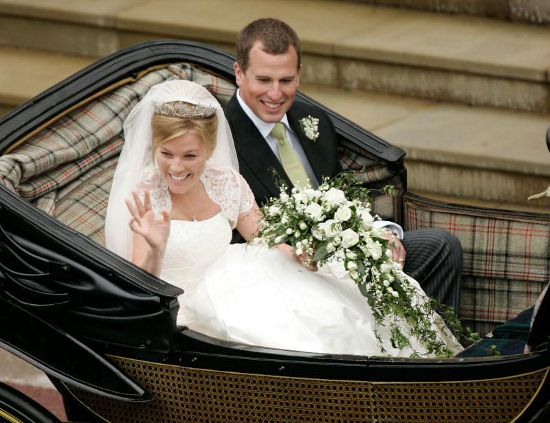 Ο εγγονός της βασίλισσας Ελισάβετ παντρεύτηκε με την Ότομ το 2008