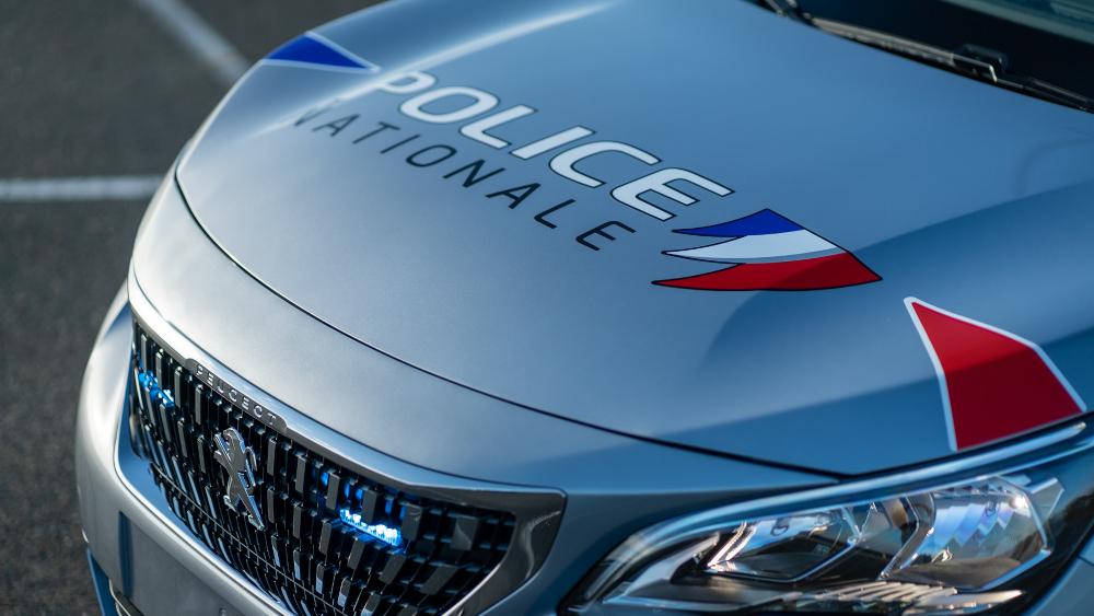 Τα σώματα ασφαλείας της Γαλλίας θα οδηγούν το Peugeot 5008