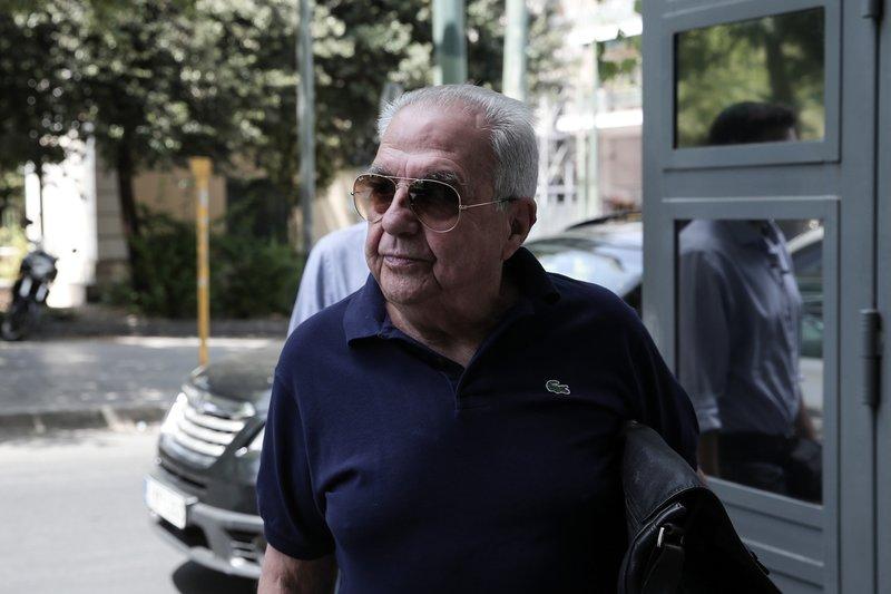 Ο Αλέκος ΦΛαμπουράρης προσέρχεται στην ΠΓ του ΣΥΡΙΖΑ στην Κουμουνδούρου