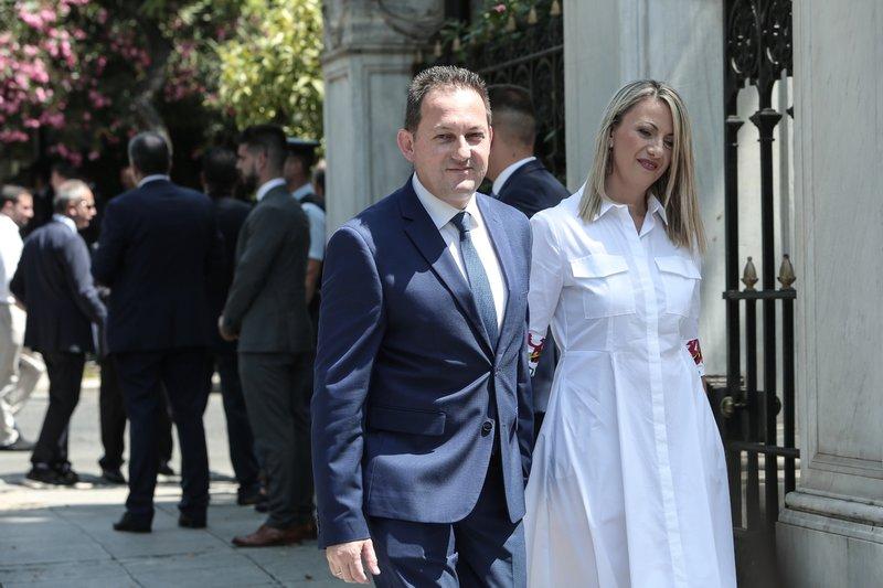 Ο Στέλιος Πέτσας με τη σύζυγό του