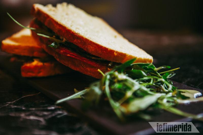 Σάντουιτς του Foyer Café Bistrot