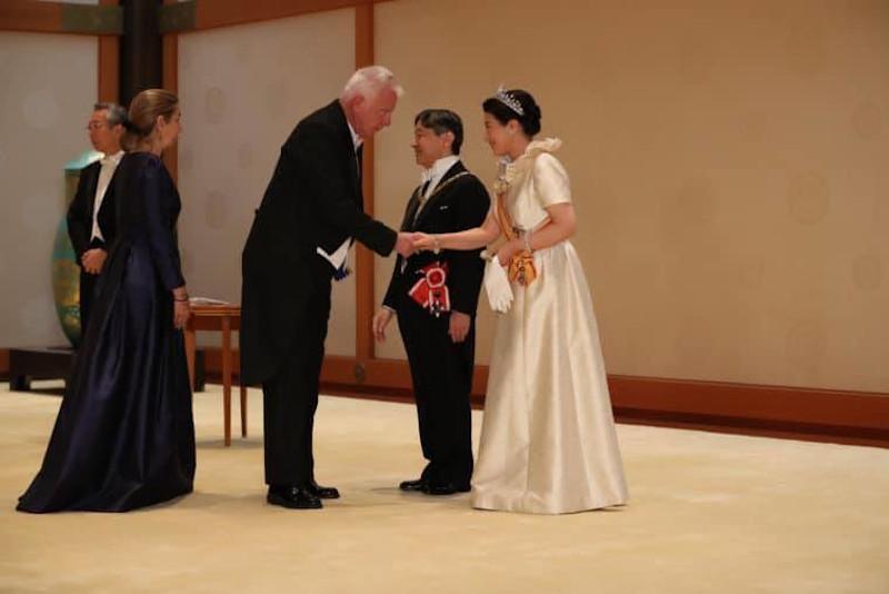 Ο Πικραμένος στην ενθρόνιση του Αυτοκράτορα της Ιαπωνίας