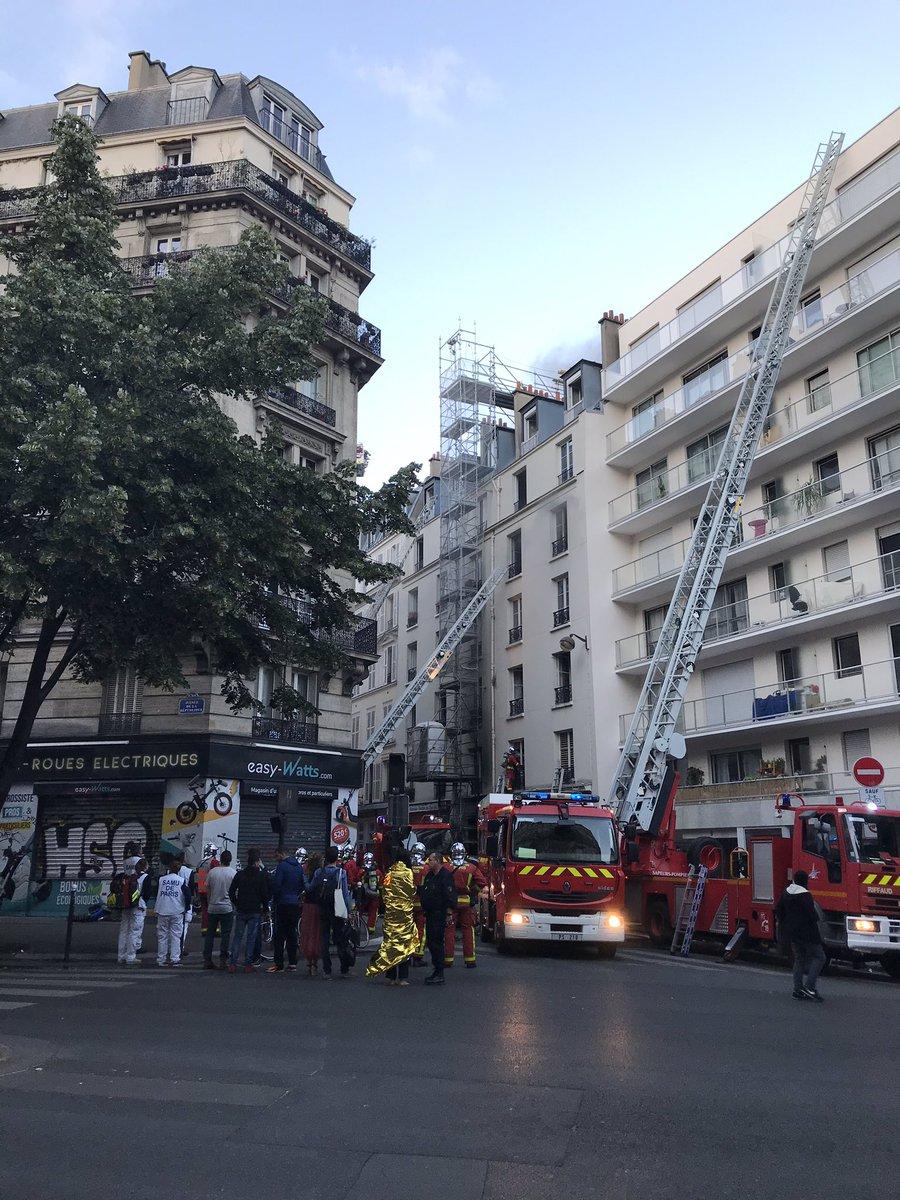 Υπό έλεγχο τέθηκε η πυρκαγιά σε πολυκατοικία στο κέντρο του Παρισιού
