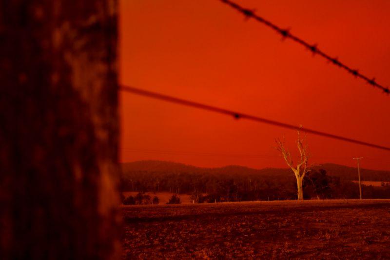 πορτοκαλί ουρανός φωτιές στην Αυστραλία