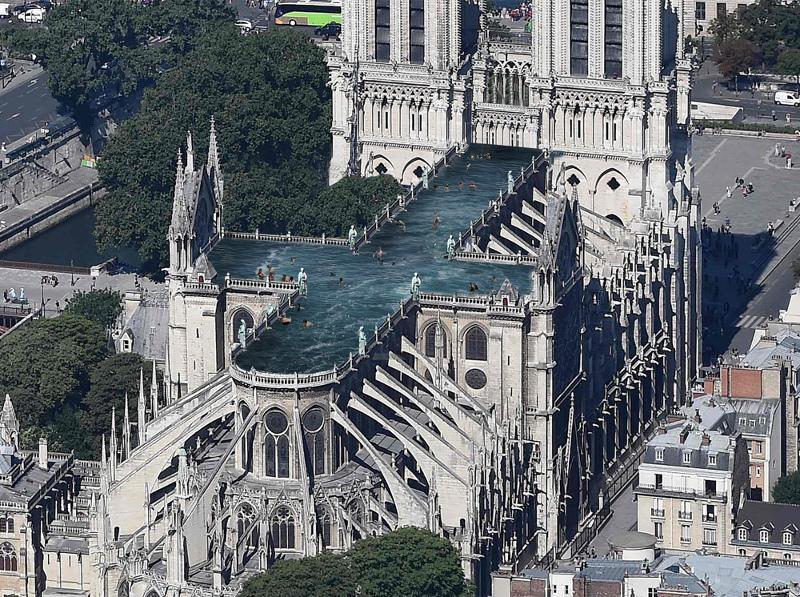 Μια πισίνα στη στέγη της Παναγίας των Παρισίων